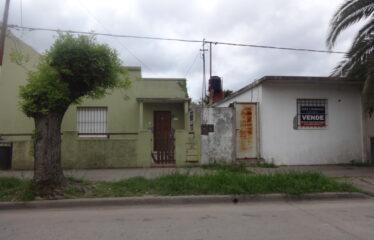 Casa y Departamento en calle Caminos e Rivadavia y Ayacucho